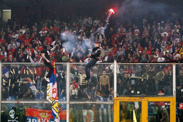 セルビアサッカー界/フーリガン・金・訴訟など黒い問題