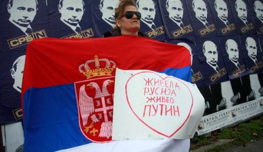 プーチン登場にも、いつも通りに歓迎するレッドスターファン達