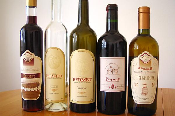 """スレムスキ・カルロブチではデザートワイン """"ベルメット"""" をお試しください!"""