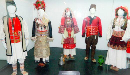 民族衣装をズラ~っと展示!【セルビア民族衣装博物館】