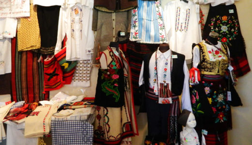 セルビアの民族工芸&衣装の