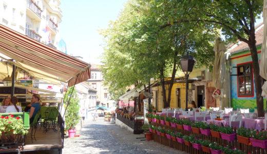 ボヘミアンの愛した石畳の通りとレストラン ~ スカダルリヤ通り