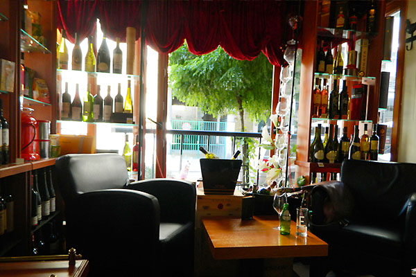 ワインバー ~ Pampour Bar