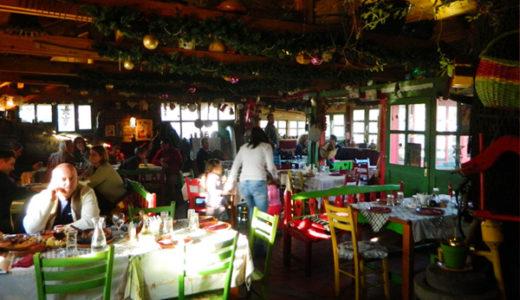 """田舎に居るような雰囲気の """"Kafanica"""" レストラン"""
