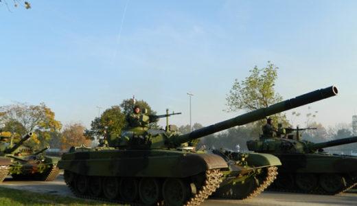 セルビア軍事パレードの予行演習