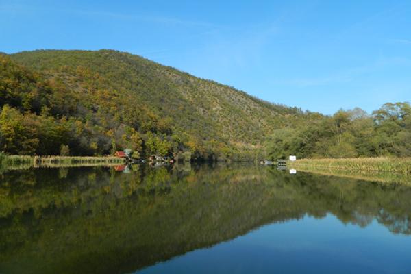 チャチャック観光 - 1日目  西モラヴァ川とカブラル山の大自然に触れる
