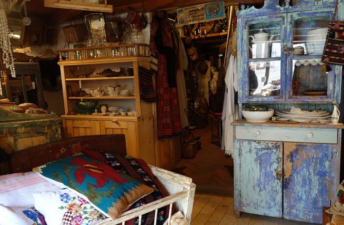 """まるで田舎の小部屋に居るようなアンティーク店 """"DUB"""""""