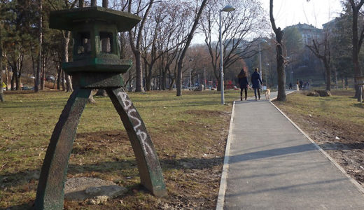 灯篭がいっぱい!ミリャコヴァツ公園
