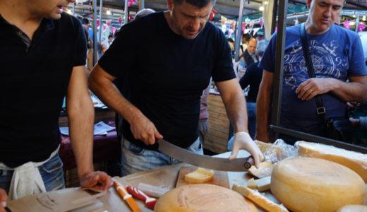 """セルビア土産が集まる """"ナイトマーケット""""は年末開催予定です"""