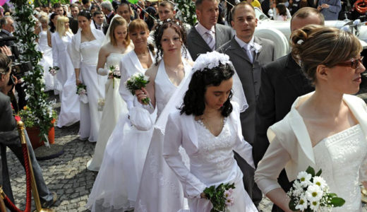 挙式シーズン到来! 集団結婚式 in ベオグラード
