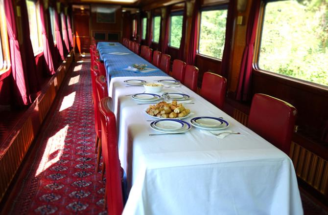 チトー大統領の専用列車(ブルートレイン)貸し出し中です