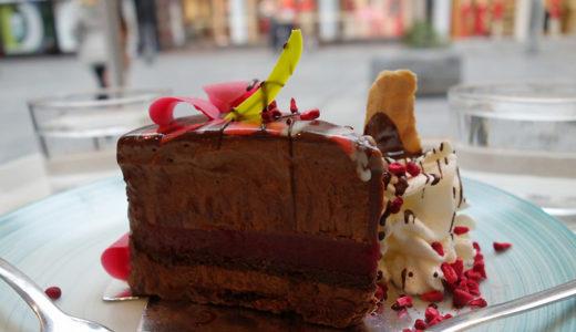 90種類のケーキ&ジェラートのカフェ